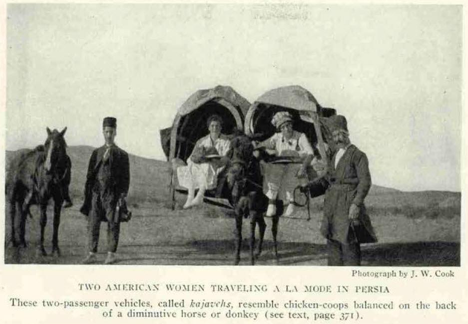 زنان آمریکایی سوار بر کجاوه
