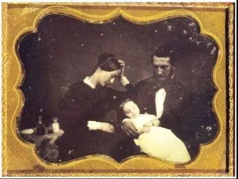 عجیبترین سنت عصر ویکتوریایی: عکاسی پس از مرگ