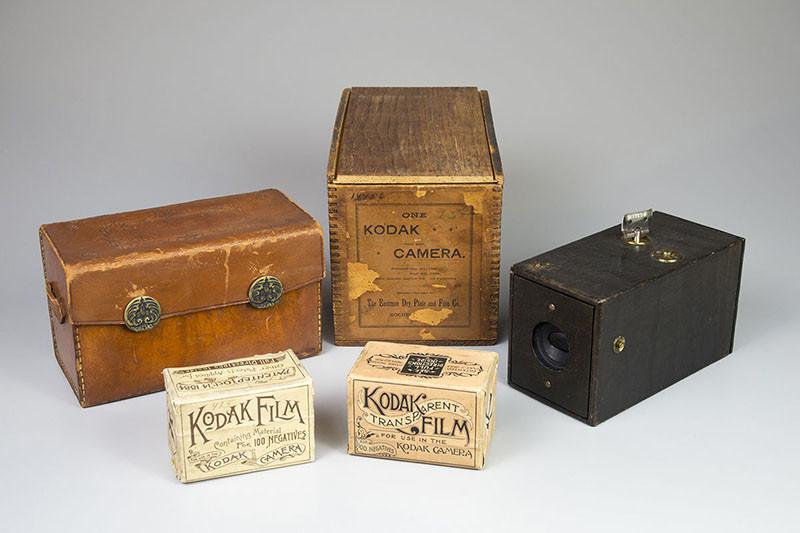 kodakcameraandboxes-800x533