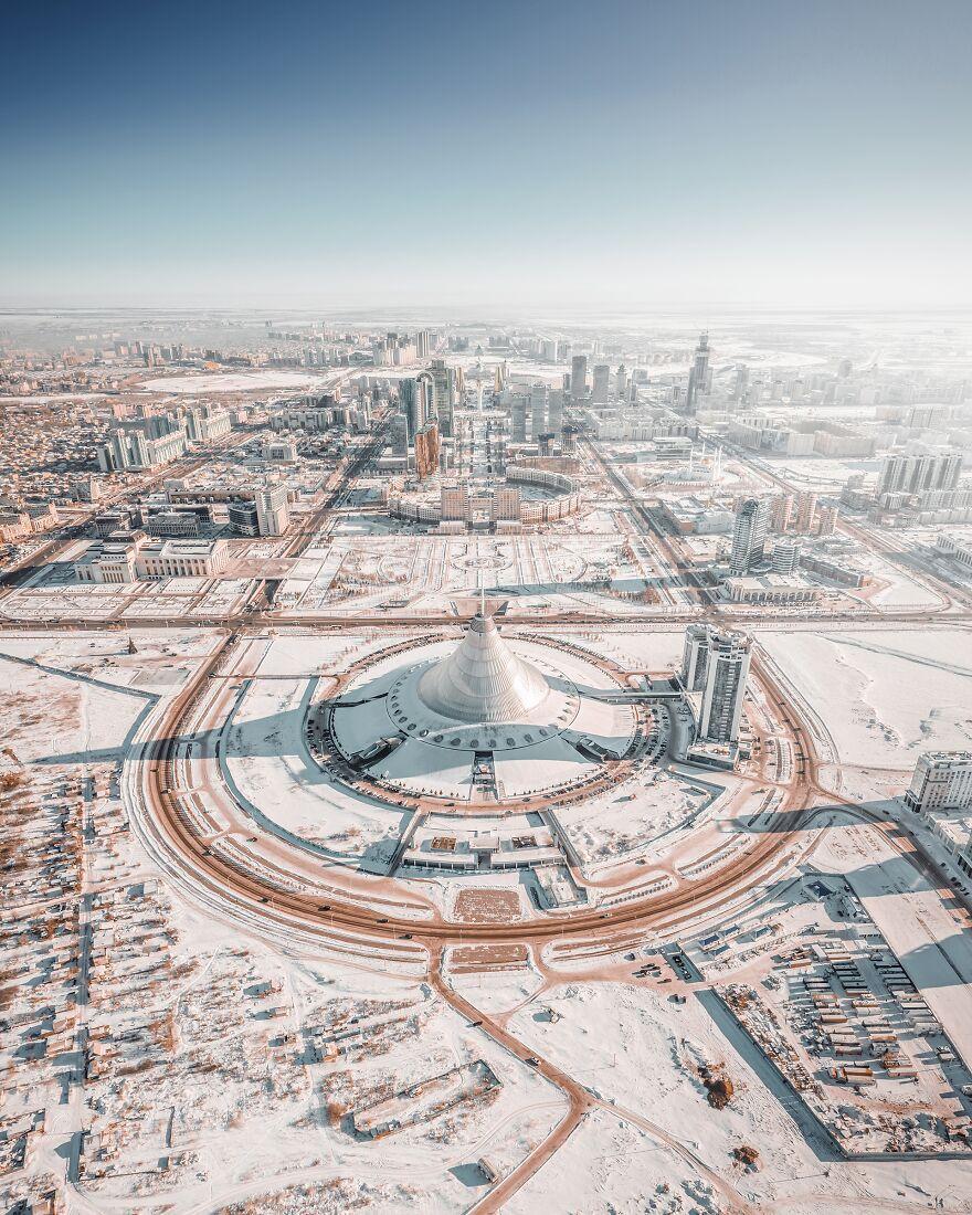 برف در نورسلطان قزاقستان